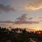 バリ島ウブド近郊2014年11月25日(火)の朝陽とアグン山