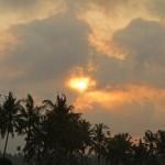 バリ島ウブド近郊2015年10月5日(月)の朝陽